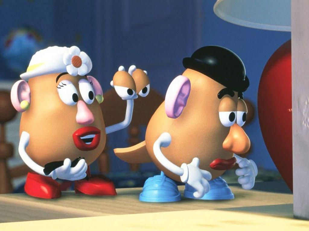 Mrs Potatohead Holding Pair Of Eyes Wallpaper 1024x768