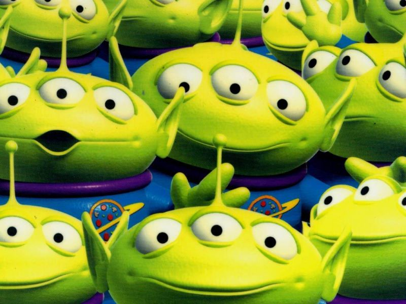 Squeeze Toy Aliens Group Wallpaper 800x600